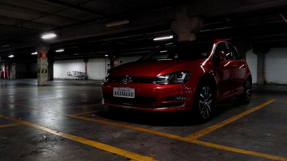 Placa-AAAAA-Parking-Lot.jpg
